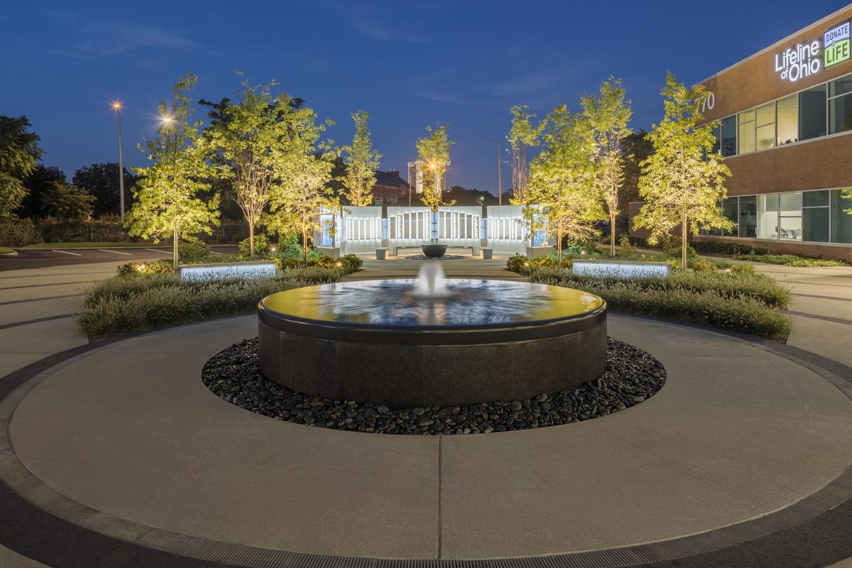 Lifeline of Ohio memorial fountain at night.